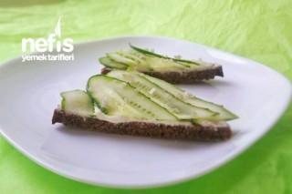 Salatalıklı Piknik Sandviçim Tarifi