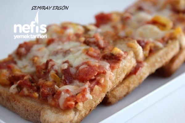 Pratik Ve Leziz Ekmek Pizzaları Tarifi