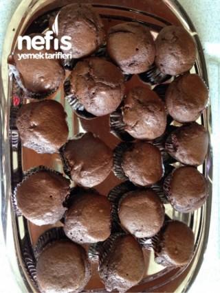 Bol Çikolatalı Şelale Kek