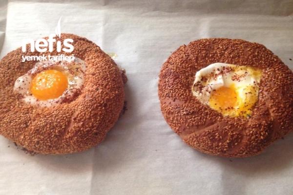 Kavurmalı Yumurtalı Simit