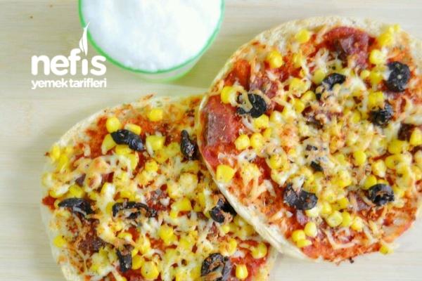 Hazır Bazlamadan Kolay Pizza