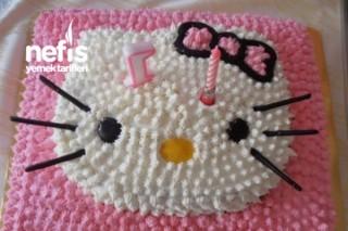 Hello Kitty Doğum Günü Pastası ( Hazır Pandispanya Unundan ) Tarifi