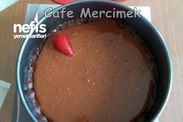 Çilekli Çikolatalı Tart