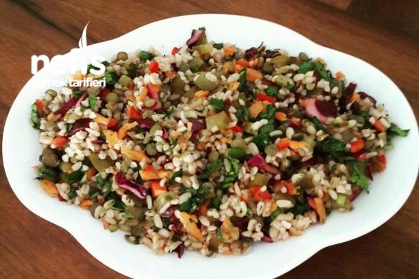 Yeşil Mercimekli Sebzeli Bulgur Salatası Tarifi