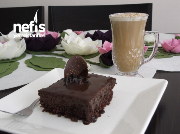 Çikolata Ganajlı Islak Kek