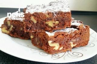 Damla Çikolatalı Cevizli Brownie