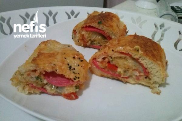 Stromboli/ İtalyan Kahvaltı Ekmeği/ Rulo Pizza Tarifi