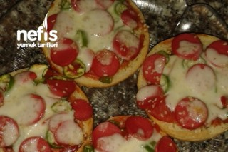 Minnoş Pizza Tarifi