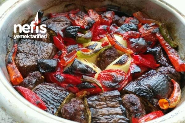 Urfa Usulü Patlıcanlı Tepsi Kebabı Tarifi