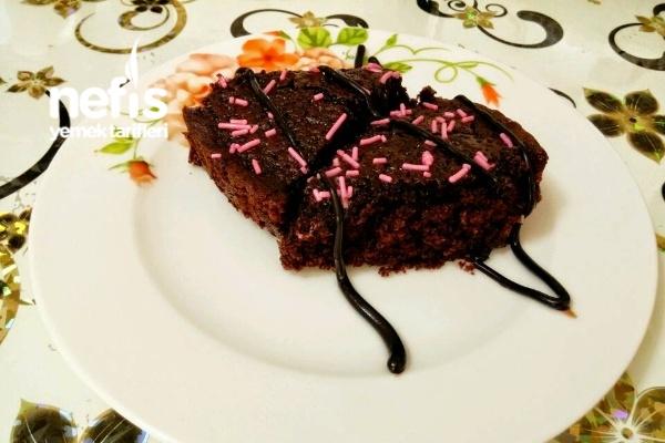 Çikolata Soslu Kolay Brownie Tarifi