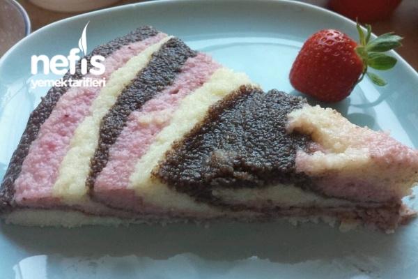 Ebruli İrmik Tatlısı (Çikolatalı Çilekli) Tarifi