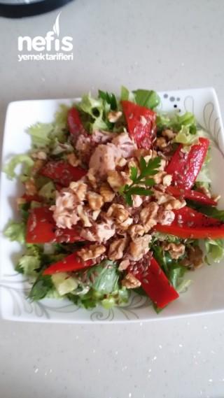 Ton Balıklı Cevizli Salata (Diyete Uygun)