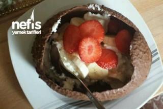 Çikolata Kasesinde Dondurma Ve Meyve Tarifi