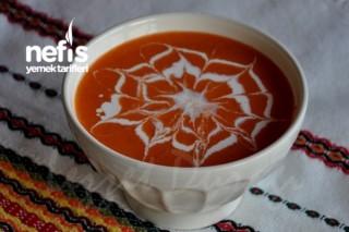 Kremalı Domatesli Biber Çorbası Tarifi