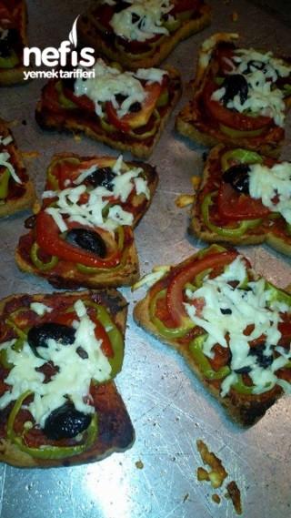 Etimek 'li Minik Pizzalar