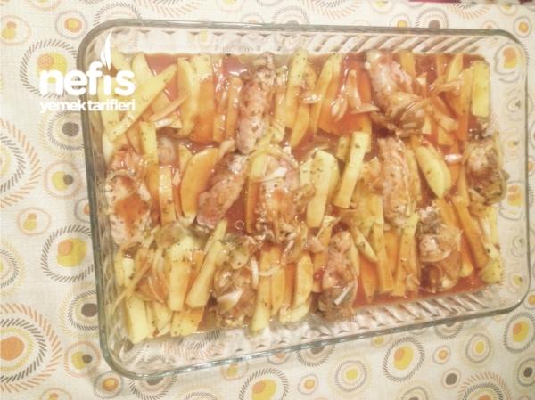 Fırında Patatesli Tavuk Kanatlar