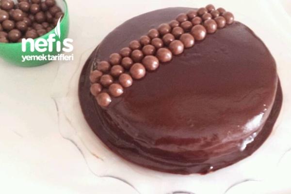 Çikolata Soslu Topitanemli Pasta