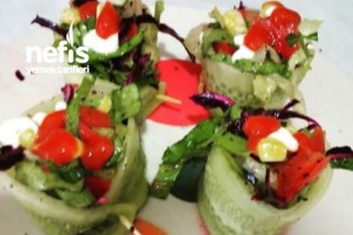 Salatalık İçinde Salata Tarifi