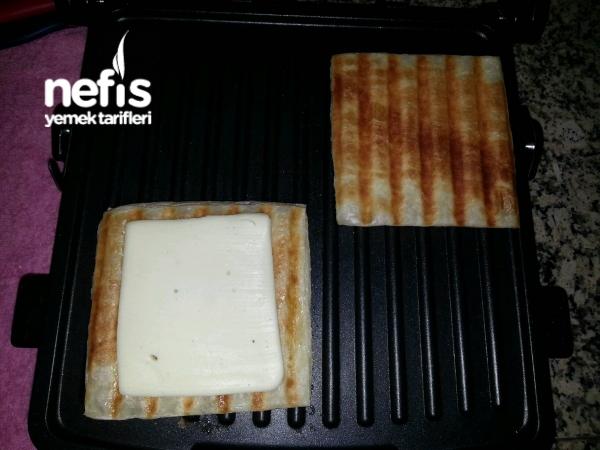 Kaşarlı Milföy Tostu