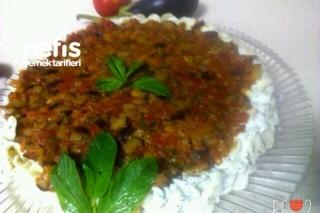 Patlıcan Soslu Yoğurtlu Makarna Tarifi