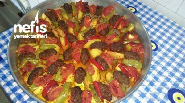 Fırında Köfte Patates Yemeği Tarifi