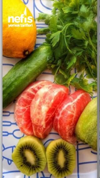 Metabolizma Hızlandırıcı Vitamin Deposu Detoks İçeceği