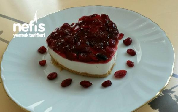 Yaban Mersinli (Cranberry) Pişmeyen Cheesecake