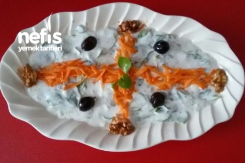 Yoğurtlu Cevizli Semizotu Salatası Tarifi