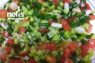 Yeşil Soğan Salatası Tarifi