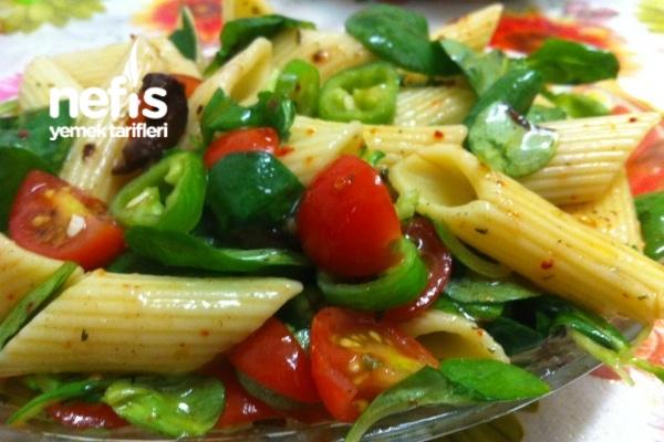 Semizotlu Makarna Salatası Tarifi