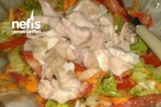200 Kalorili Ara Öğün Salatası Tarifi
