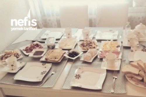 Misafirlerime Kahvaltı Sofram Tarifi
