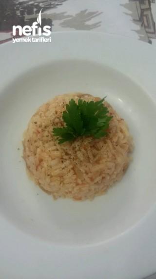 Domatesli Şehriyeli Pirinç Pilavı