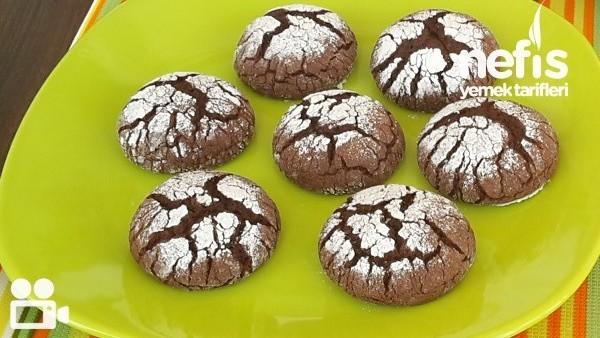 Çikolatalı Çatlak Kurabiye Nasıl Yapılır?