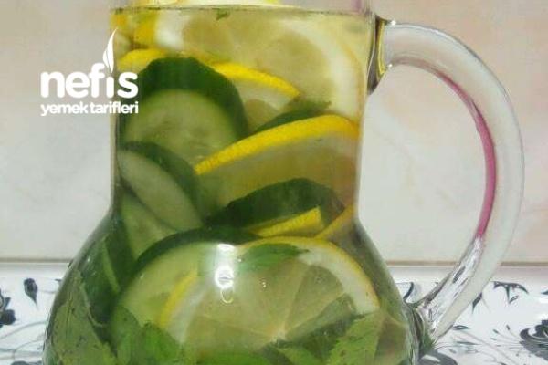 Salatalık Ve Limonlu Detox Suyu