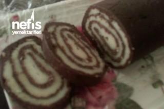 Bisküvili Rulo Pasta (İrmikli ve Fırınsız) Tarifi