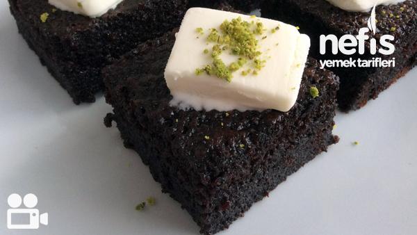 Pastane Usulü Islak Kek Yapımı Tarifi