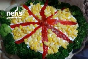 Köz Biberli Yoğurtlu Brokoli Salatası Tarifi