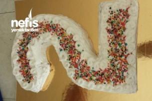 2 Şeklinde Yaş Pasta Yapımı Tarifi