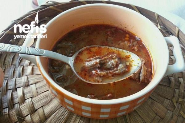 Sarımsaklı Kırmızı Et Çorbası Tarifi