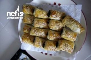 Ispanaklı Peynirli Rulo Börek Tarifi