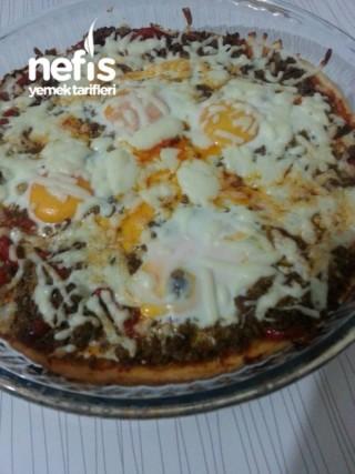 Kıymalı Yumurtalı Pizza