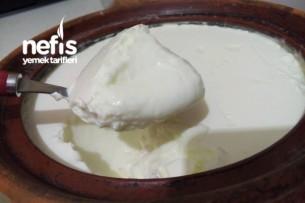 Ev Yapımı Taş Gibi Yoğurt (Güveçte) Tarifi
