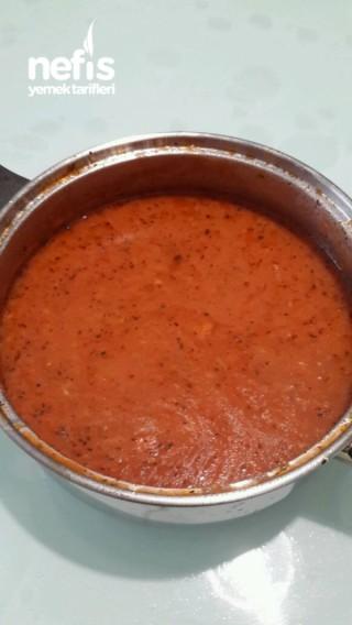 Kıymalı Ev Tarhana Çorbası
