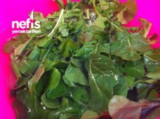 Hafta Sonu İçin Balık Yanına Roka Salatası