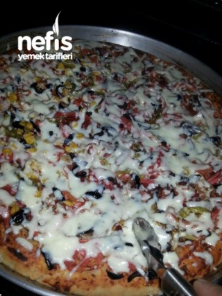 Kenarı Dolgulu Karışık Pizza