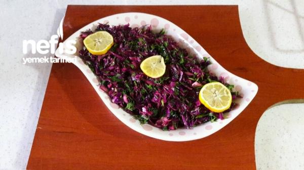 Turşu Tadında Mor Lahana Salatası (10 Dakikada)