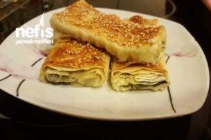 Ispanaklı Börek (yörem Yufkadan)