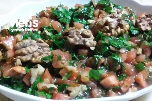 Cevizli Domates Salatası