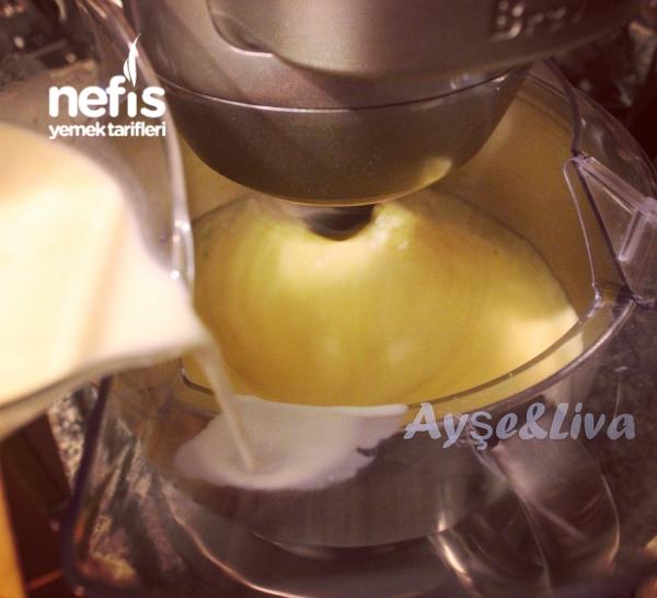 Vanilyalı& Beyaz Çikolatalı Krem